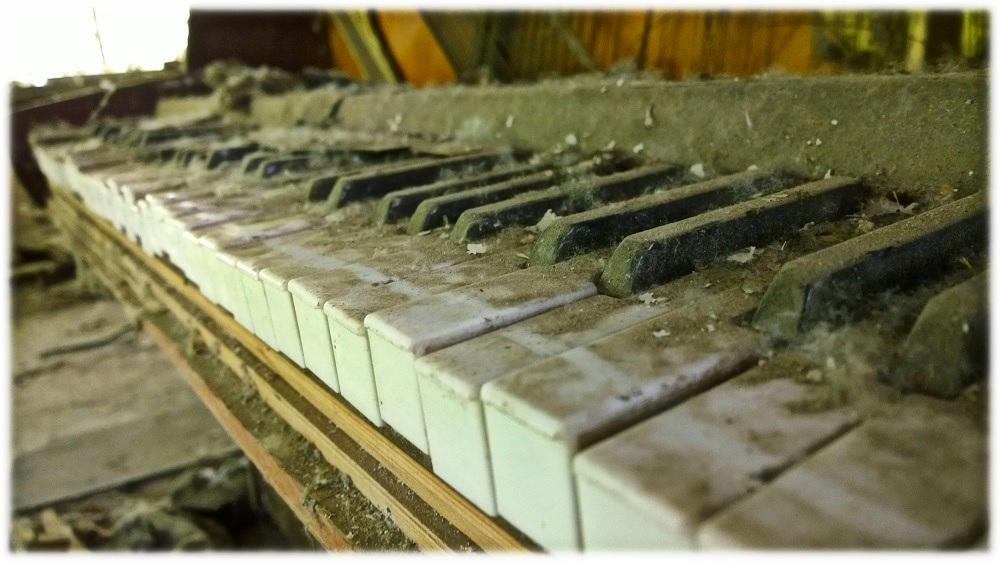 22-9-_cernobyl_klavir