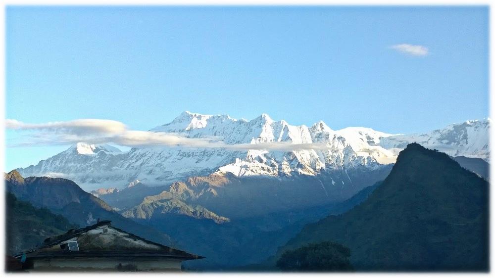 18-11-_nepal-vyhled